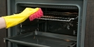5 نکته مهم برای تمیز کردن فر آشپزخانه